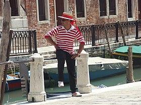 Venezia-Gondolier.JPG