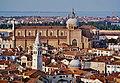 Venezia Blick vom Campanile der Basilica di San Marco auf die Basilica di Santi Giovanni e Paolo.jpg