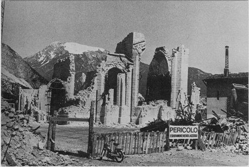 Venzone - Duomo - dopo 15 settembre 1976