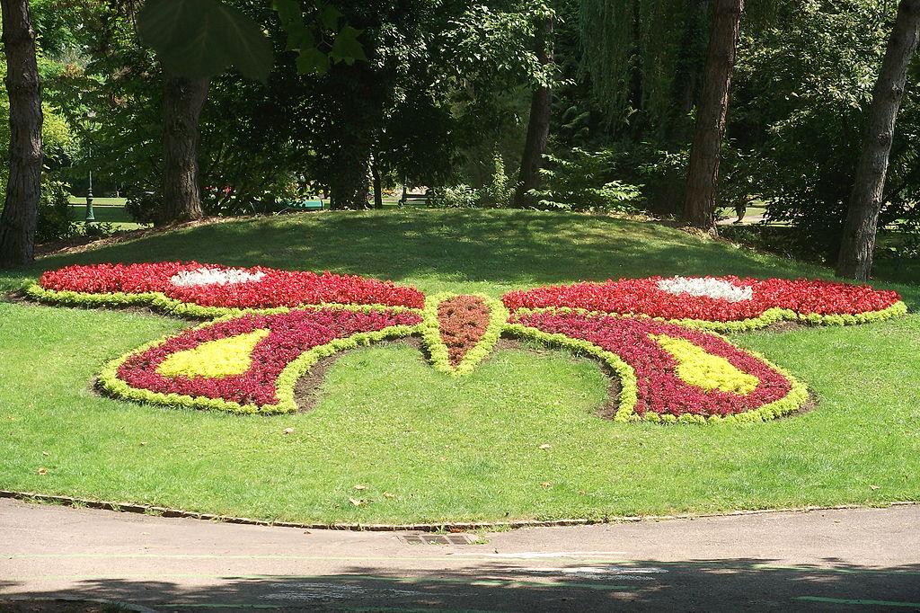 File vesoul jardin anglais 3 jpg wikimedia commons for Jardin anglais vesoul