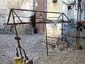 Vieulaines cimetière fer forgé (abri pour couronnes) 1.jpg