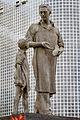 Vigevano - Statua al Calzolaio D'Italia.jpg