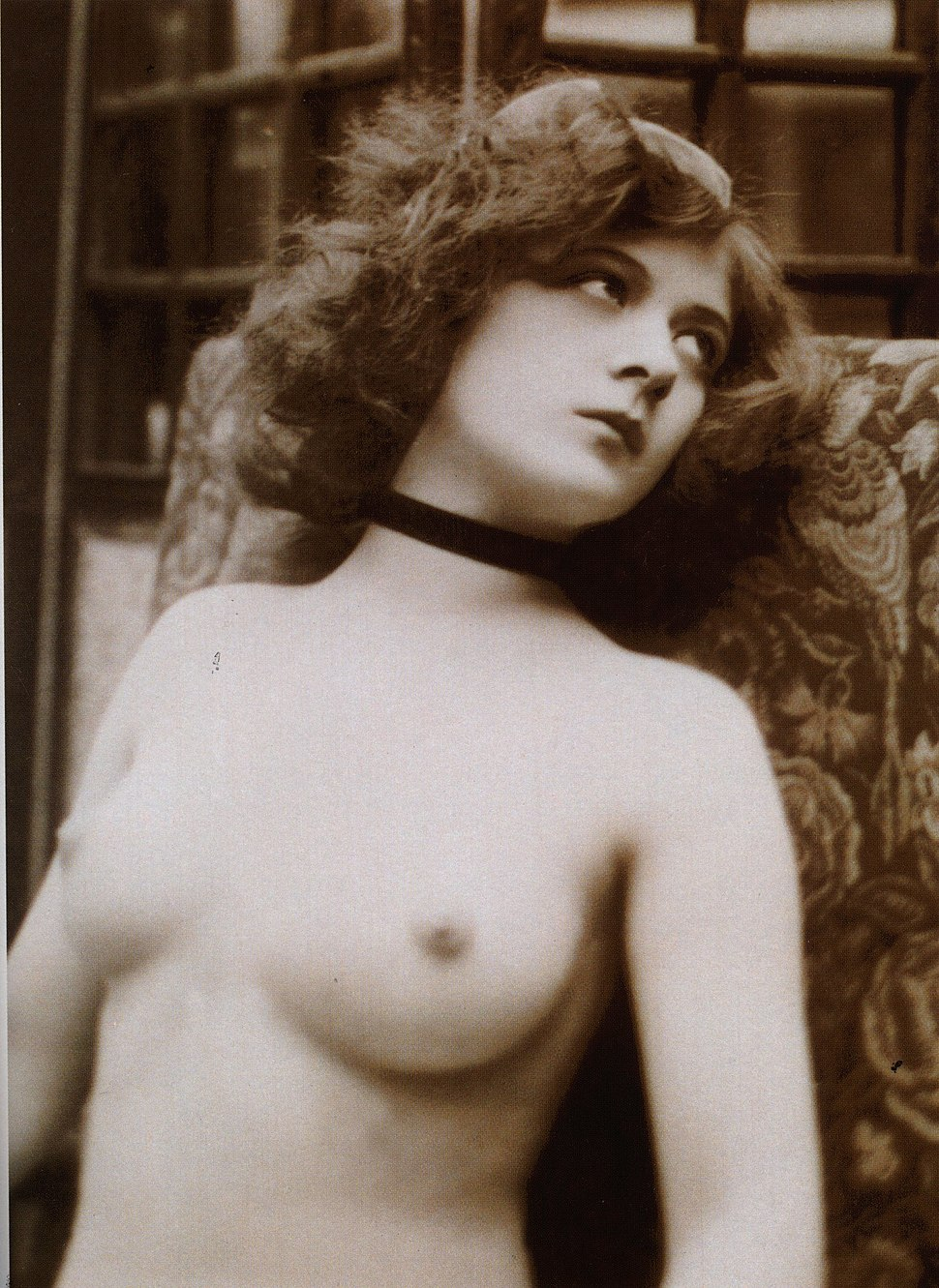 Vintage nude bust photograph of a young denuded lady