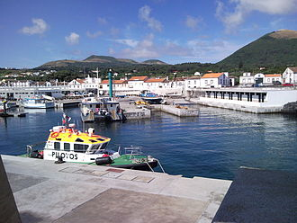 Praia (Santa Cruz da Graciosa) - The main harbour in Praia