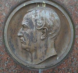 Hermann Friedrich Waesemann - Medaillion on his grave stone