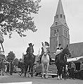 Wageningen 700 jaar stadsrechten Jong en oud loopt in klederdracht door de stad, Bestanddeelnr 915-2552.jpg