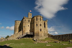 Warkworth Castle's keep, 2007.jpg