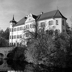 Wasserschloss Niederarnbach Fingas.jpg