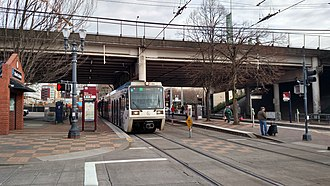 Rose Quarter Transit Center - Image: Westbound Green Line train at Rose Quarter Transit Center, February 2018