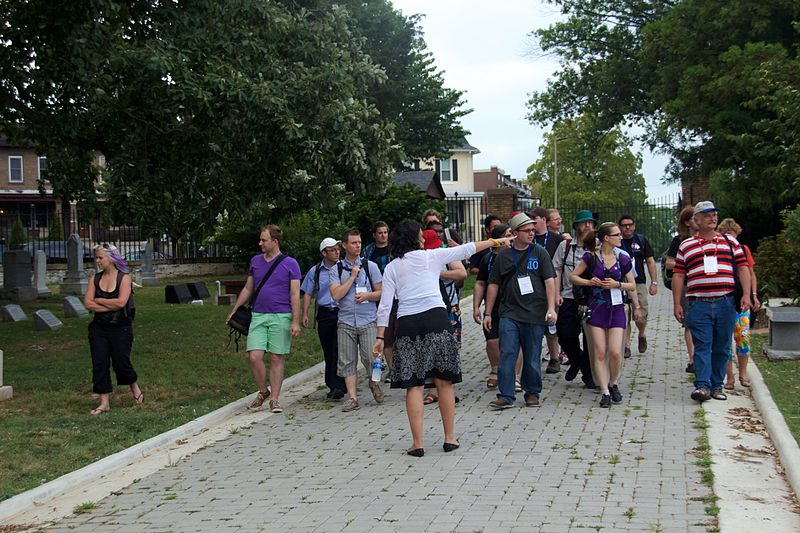 File:Wikimania 2012 Congressional Cemetry tour 2.jpg