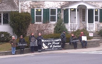 New Paltz (village), New York - Women in Black staging a protest in front of Elting Memorial Library