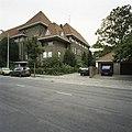 Zicht op de voorgevel en de rechter zijgevel - Eindhoven - 20388774 - RCE.jpg