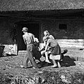 """Mlatiški puš?lc"" na strehi poda krade, Male Vodenice 1956 (3).jpg"