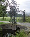 foto van Gooilust, brug en toegangshek