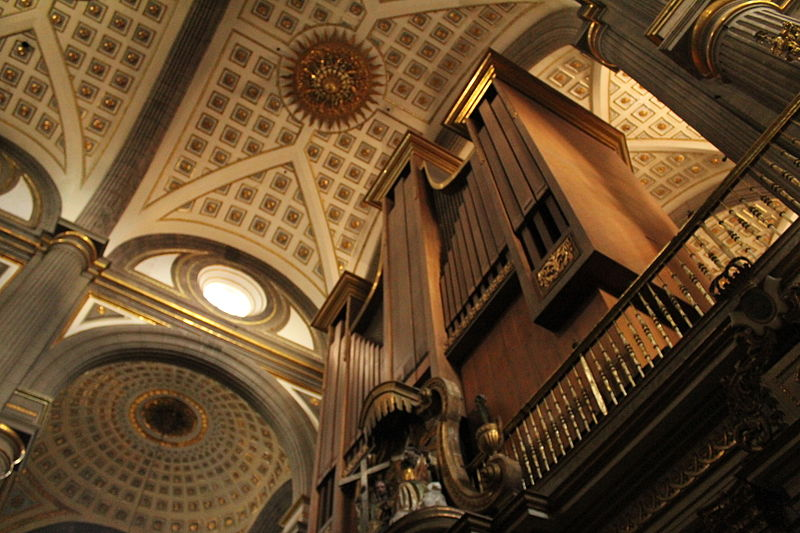 órgano internacional de la catedral de Puebla