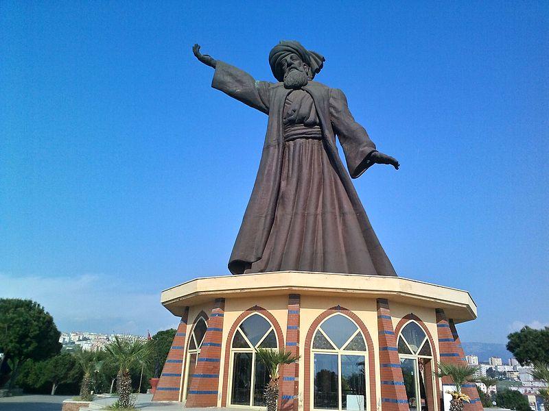 Ficheiro:İzmir Buca Mevlana heykeli ve mesire alanı 5.jpg