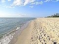 Пляж рядом с Променадом в поселке Янтарный.JPG