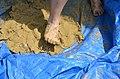 Припремање глине за моделовање благотинских фигурина 03.jpg