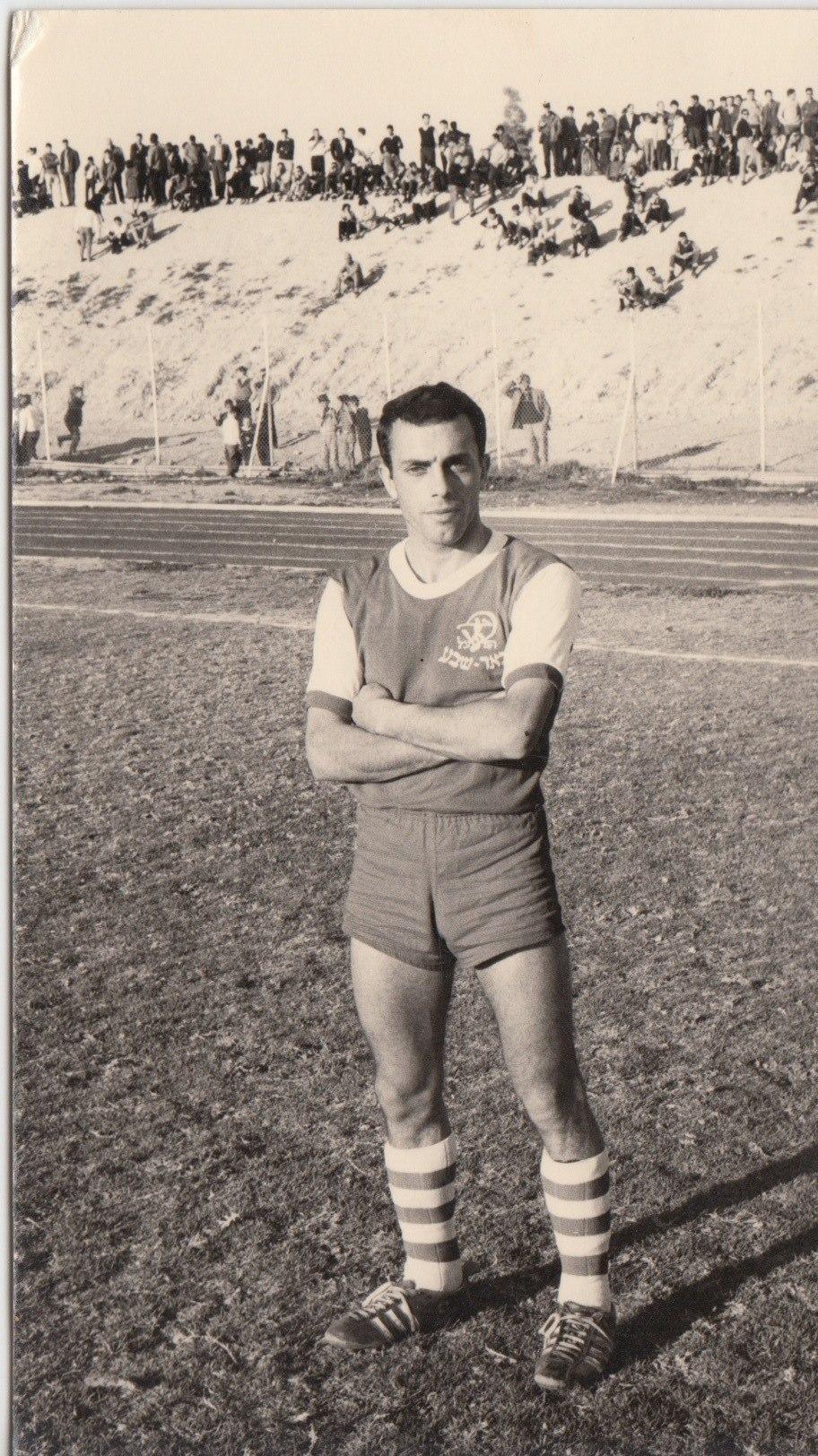 יצחק גוזלן בתקופת הכדורגל 2.jpeg