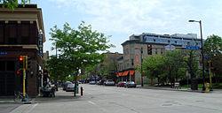 East Hennepin Avenue, mirando al norte hacia el lugar de nacimiento de Nordeast