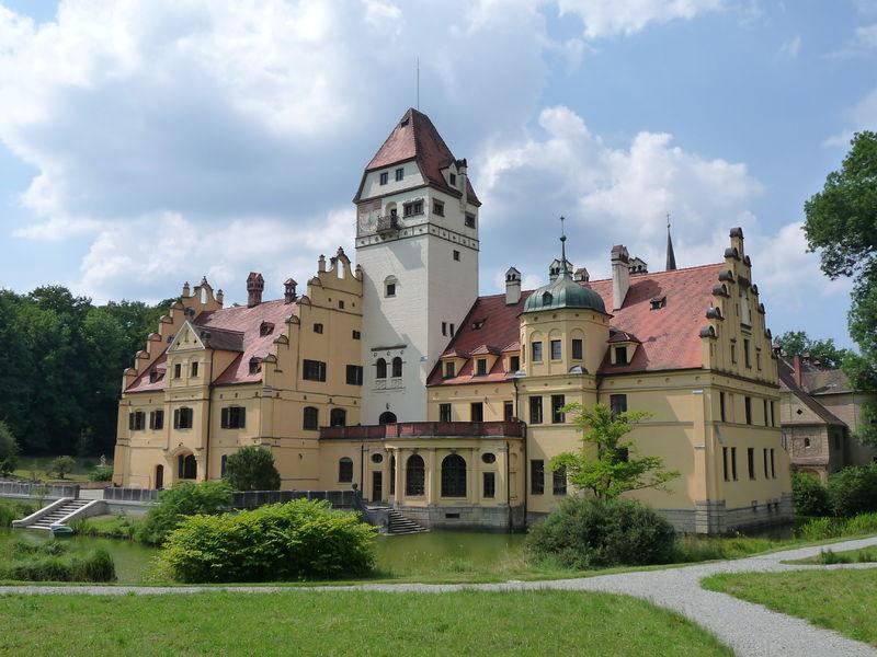 File:08-07-27+15-17-47+Schönau, Wasserschloss.JPG