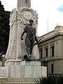 141 Monument als Caiguts, estàtua de soldat d'infanteria.jpg
