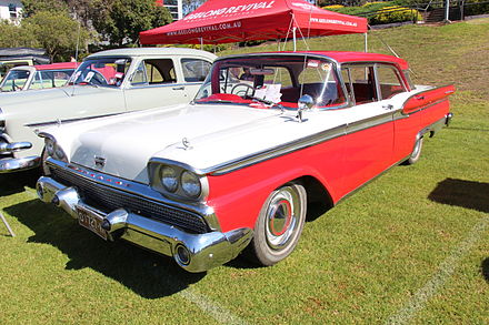 1960–61 Ford Fairlane 500 Sedan. This is a facelifted 1959 model, introduced in late 1960. - Ford Fairlane (Australia)