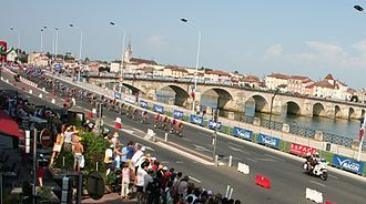 Mâcon - The bridge over the Saône: Tour de France peloton entering Mâcon July 2006.