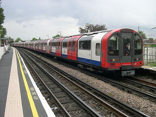 1992 Stock at East Acton