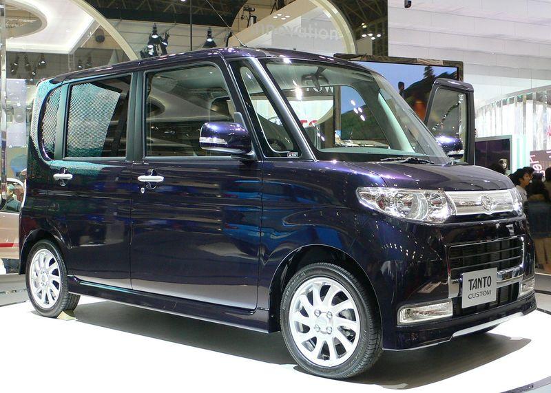 File:2007 Daihatsu Tanto-Custom 01.jpg