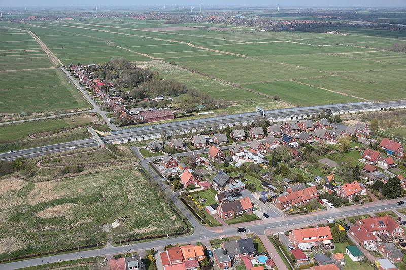 File:2013-05-03 Fotoflug Nordholz Papenburg HP 2727.JPG