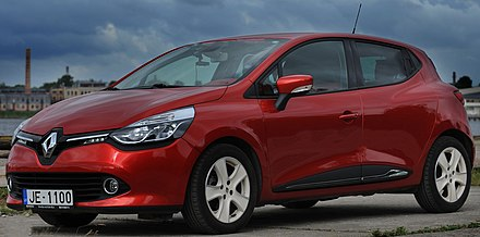 Renault Clio IV, 5 doors or estate, named European Car of the Year in 2006 2013 Renault Clio (X98) TCe 90 hatchback (2013-06-17) 01.jpg