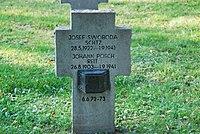 2017-09-28 GuentherZ Wien11 Zentralfriedhof Gruppe97 Soldatenfriedhof Wien (Zweiter Weltkrieg) (056).jpg