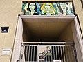2020-05-12 Gemeindebau Fenzlgasse31 entrance Flachgasse supraporte by Maria Schwamberger-Riemer.jpg