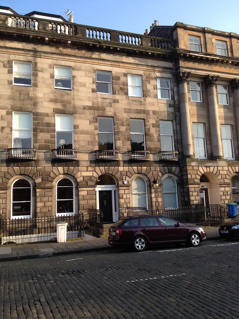 File 23 royal terrace edinburgh jpg wikimedia commons for 55 buckstone terrace edinburgh