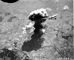 465th Bombardment Group - 465th Bombardment Group making a bomb run during 1944