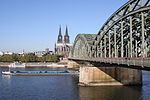 82 Koeln Hohenzollernbruecke 011015.jpg