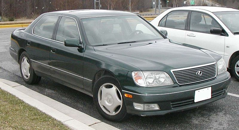 800px-98-00_Lexus_LS400.jpg