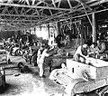 A WORKSHOP AT THE BRITISH ARMY BASE IN SARAFAND. בית מלאכה בבסיס האימונים של הצבא הבריטי בצריפין.D393-019.jpg