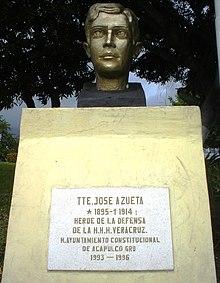 Acapulco - Plaza de la H. Escuela Naval Militar (José Azueta)2