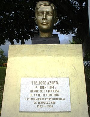 José Azueta - Monument to José Azueta in the Plaza de la H. Escuela Naval Militar in the Parque de La Reina in Acapulco.