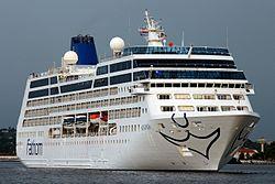 Die Adonia verlässt den Hafen von Havanna, 2016