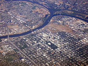 American Beauty (1999 film) - Image: Aerial view of Sacramento