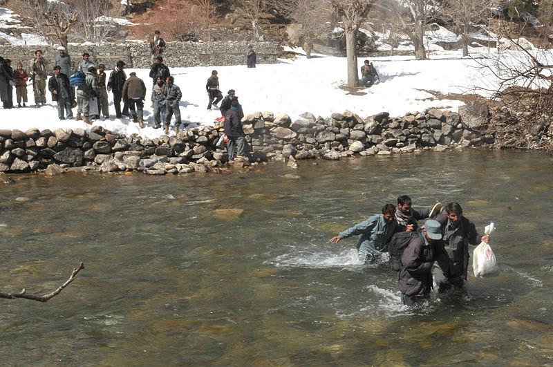 File:Afghan Air Force executes combat resupply in Kunar Valley (5517557949).jpg
