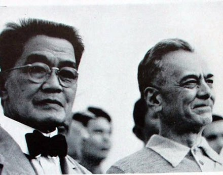 Presidents Emilio Aguinaldo and Manuel L. Quezon during the 1935 campaign. Aguinaldo and Quezon in 1935.JPG