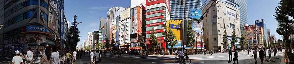 תמונה פנורמית של רחוב בטוקיו