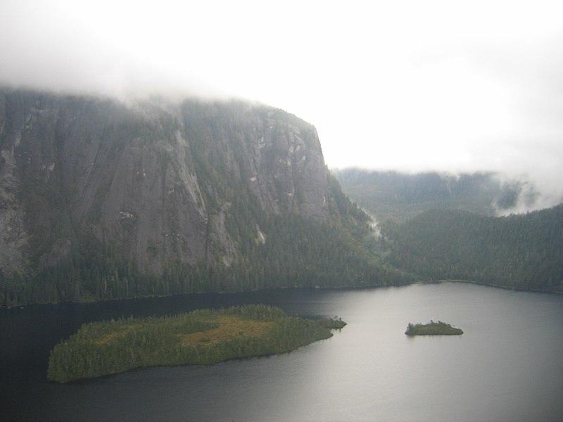 [عکس: 800px-Alaskan_gorge-1.jpg]