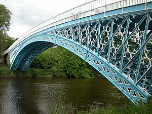 Grade I listed buildings in Cheshire West and Chester - Image: Aldford Iron Bridge