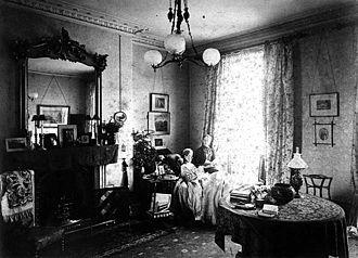 Katharine Peabody Loring - Alice James (reclining) and Katharine Peabody Loring, taken at the Royal Leamington Spa (England), c. 1890
