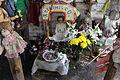 Altar muñeca milagrosa.JPG